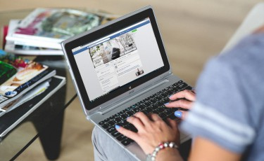 hands-woman-laptop-notebook-large1