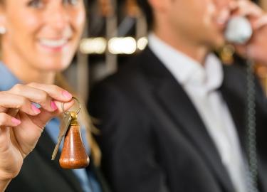 Vendita diretta delle camere in hotel: booking engine o vendita tramite email e telefono?